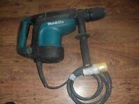 Makita® HM1213C SDS MAX Demolition Hammer with AVT 1500W 110V 2015 Breaker