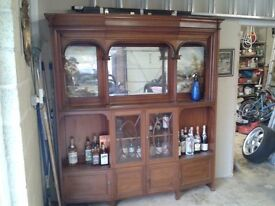 Beautiful Edwardian walnut dresser