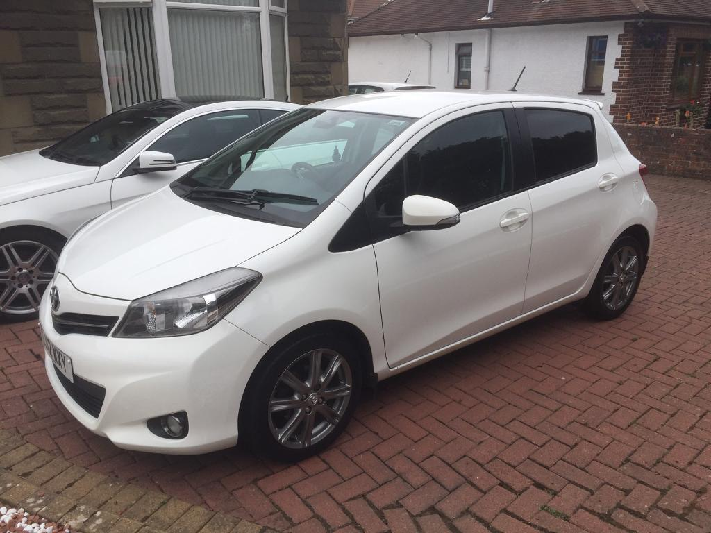 toyota yaris 1 3 vvt i sr 2012 white in ayr south ayrshire gumtree. Black Bedroom Furniture Sets. Home Design Ideas