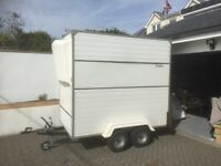 4 wheel box trailer