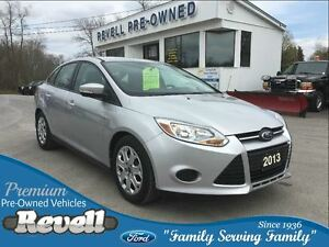 2013 Ford Focus SE  *1-owner trade  Only 37K