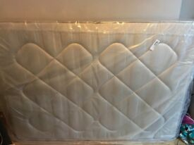 Double standard size (1.35 x 1.90) Mattress, very good condition