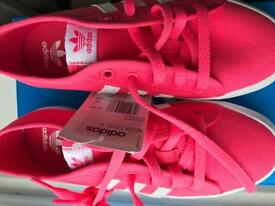 Adidas trainers size3