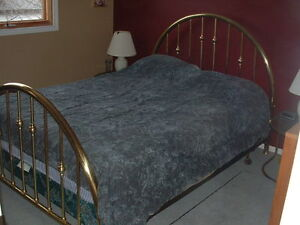 VINTAGE BRASS BED WITH PILLOW TOP MATTRESS AND END TABLES, LAMPS