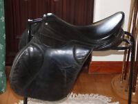 """Black horse saddle 17"""""""