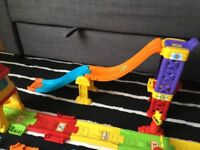 Vtech train station & speed ramp 5x cars