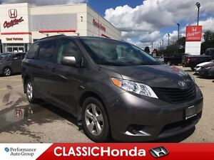 2013 Toyota Sienna CLEAN CARPROOF | ONE OWNER | ALLOY RIMS |