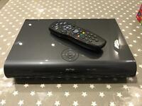 Sky + 2Tb HD / 3D box