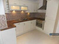 2 bedroom flat in Green Chare, Darlington, DL3 (2 bed) (#952957)