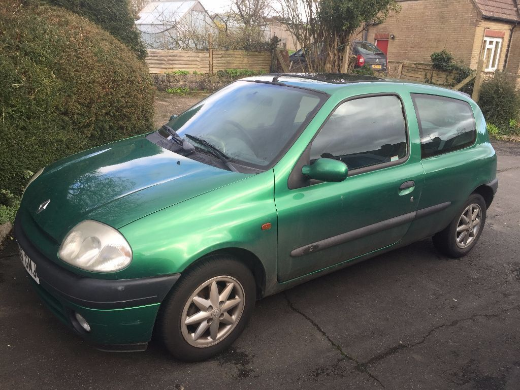 Green 2000 Renault Clio Sport Spares Repairs Project