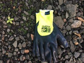 2x pairs of Neddlestick gloves