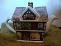 Lovely novelty teapot, great condition, £7 ONO
