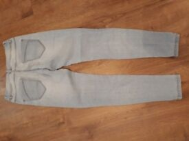 Girls jeans ages 12 and 13 mainly new look. 6 pairs