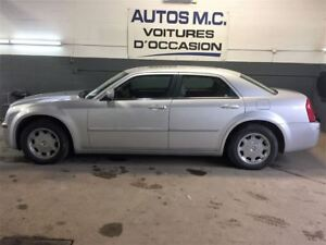 2006 Chrysler 300 touring,toit,cuir(garantie inclus)