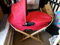 Quinny buzz carry cot with stand