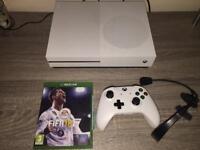 Xbox ONE S 500G FIFA 18 Headset & Batt USB charger