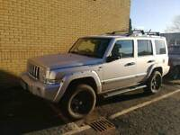 4 x 4. JEEP COMMANDER LIMITED