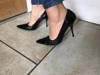 Womens black pointed stiletto shoe