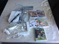 NI TENDO Wii CONSOLE WITH 5 GAMES AND 2 CONTROLLERS MODEL RUL-001 SMETHWICK £45