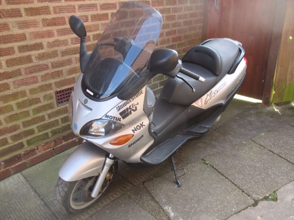 piaggio x9 125 running big moped runs and rides fine in. Black Bedroom Furniture Sets. Home Design Ideas