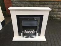 Dimplex electric fire place with surround