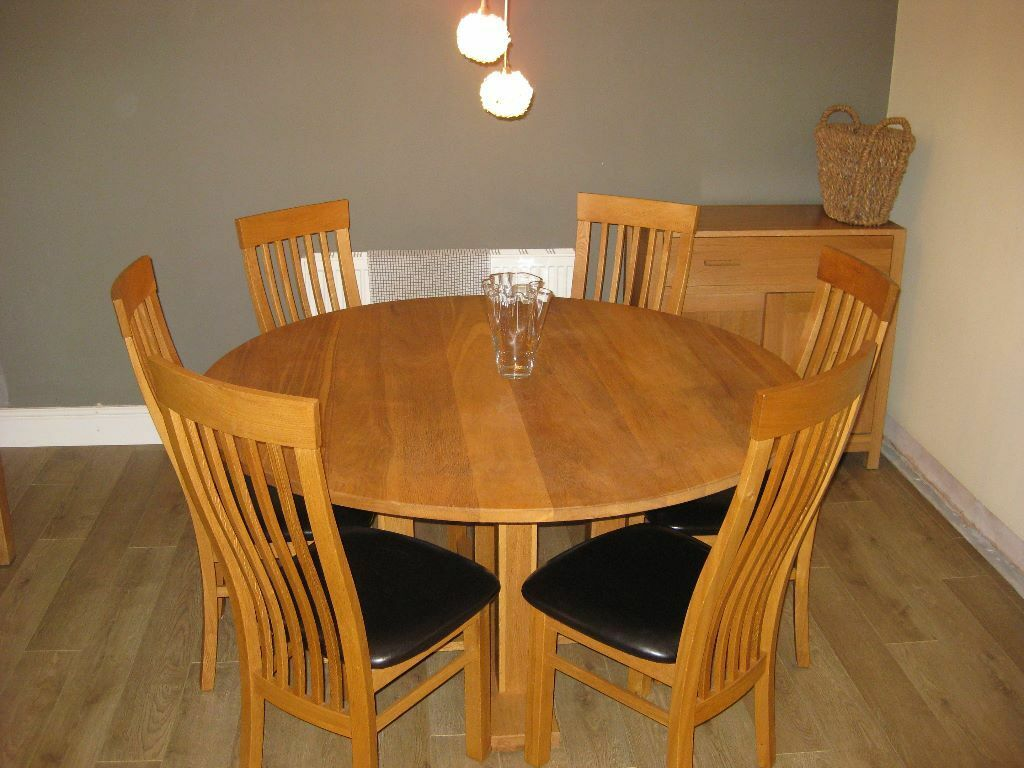 5ft solid oak round dining table 6 oak brown leather chairs