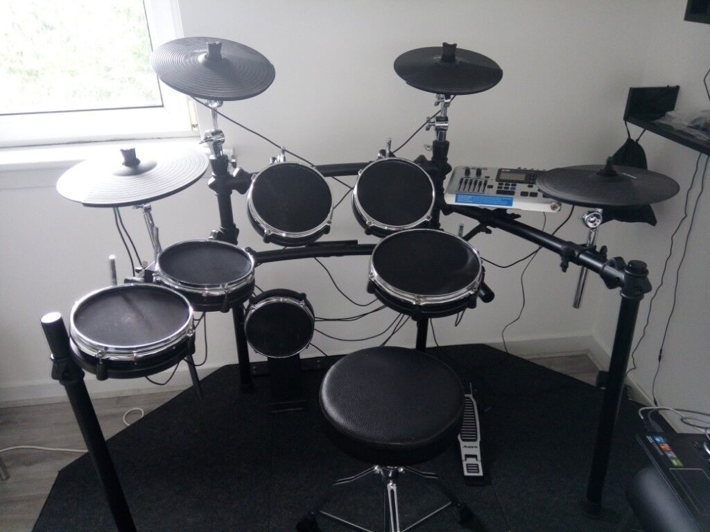 alesis dm10 mesh studio kit noise eliminator podium accessories in glasgow green glasgow. Black Bedroom Furniture Sets. Home Design Ideas