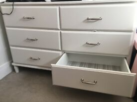 White Chest of drawers 6