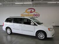 2015 Chrysler Town & Country 15 000$ DE MOINS QU'UN NEUF !