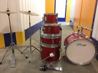 Drum Kit JUNIOR 5 piece with Bass Drum Pedal, Cymbals and Stands. Had since new. Great for beginner.