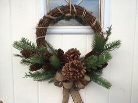 Beautifully hand crafted Artificial Christmas 🎄 Rustic, Hessian WREATH