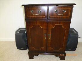 Mahogany Hi-Fi Cabinet 20 x 17 x 28