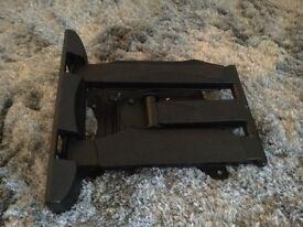 Full motion TV wall bracket