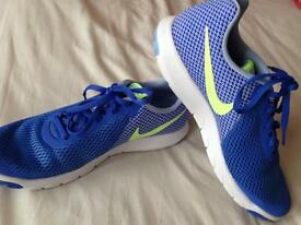 As NEW Nike Flex Experience Size 7 running trainers