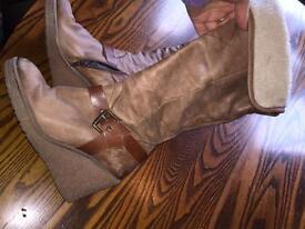 Size 3 wedges heel boots