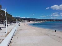 Flat on the French Riviera (Côte d'Azur) - 100 yards from the beach - £600 pw - Sleeps up to 4