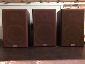 3 SOLAVOX speakers, model TB 40
