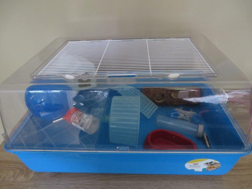 Large Ferplast hamster cage with lots of accessories