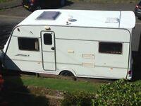 Lightweight easy to tow Fleetwood 3/4 berth touring caravan year 2001