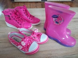 3 pair of girl shoes size 10-11