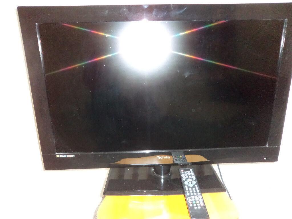 "TECHNIKA 32"" Digitall LCD TV with USB Media Player"
