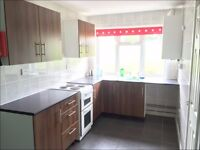 Modern 3 bed property to rent in Lampeter town centre.