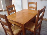 ANTIX OAK TABLE