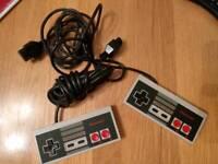 2 x Nintendo NES Controller's official