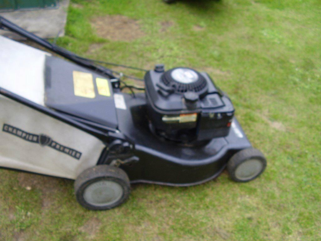 petrol champion premier self propelled lawn mower
