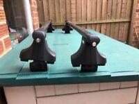 Thule roof bars and foot pack /locks
