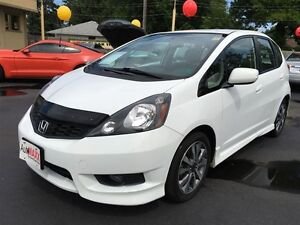 2013 HONDA FIT SPORT- FRONT WHEEL DRIVE, ALLOY WHEELS, SECURITY  Windsor Region Ontario image 1