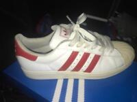 Adidas superstars size 8