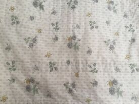 American Quilt 100% cotton pretty reversible design