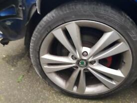 Skoda octavia vrs alloys 225/40/18 Set